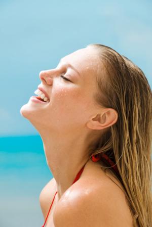 cabelos verao - Proteja os fios loiros dos efeitos do verão