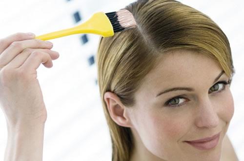 pintando o cabelo - Pintando o Cabelo em Casa: Passo-a-Passo