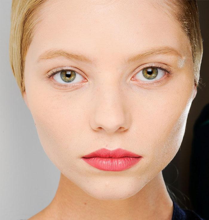 receita clarear sobrancelhas - A Sobrancelha Contrastou com o Loiro? – O que fazer