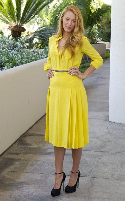 Blake Lively vestido amarelo 2 - Loiras Podem usar Amarelo?