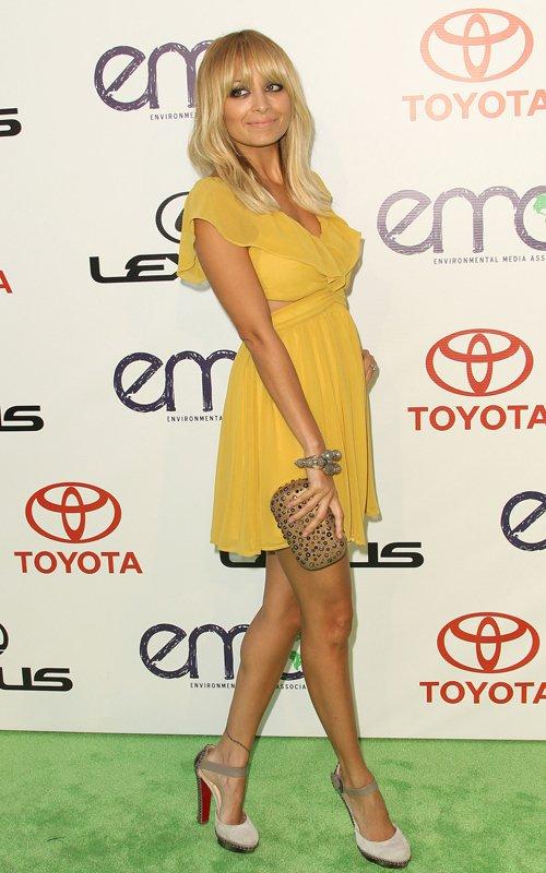 Nicole Richie amarelo loiras