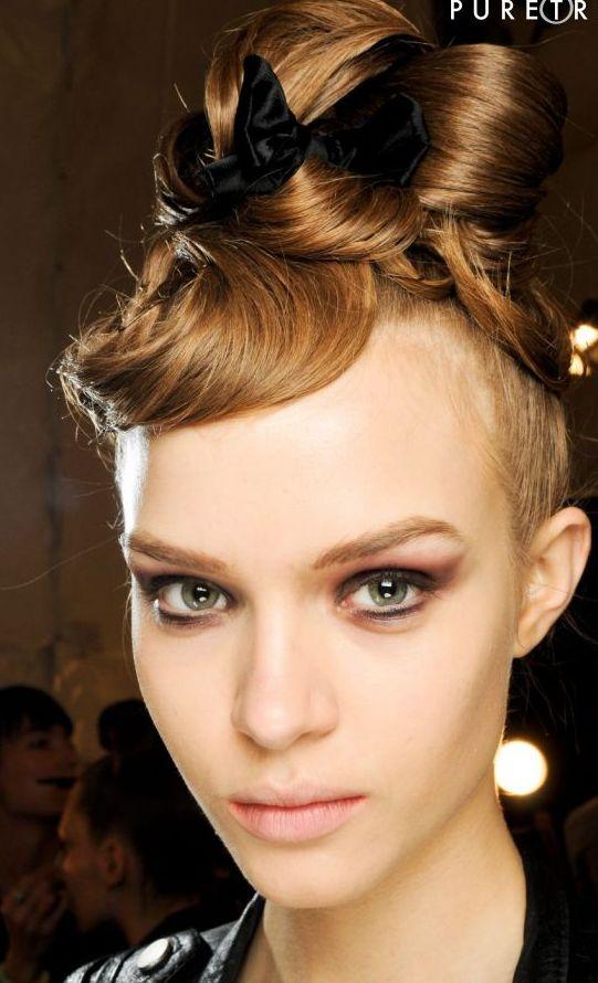 71925 coque estruturado desfile monique 637x0 2 - Melhores pomadas para cabelo!