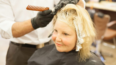 Como cuidar dos cabelos com mechas californianas - Cabelos Loiros