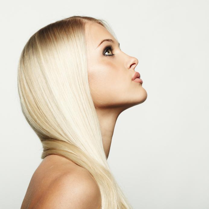 iStock 000020444887 Small - Que cuidados ter com cabelos loiros?