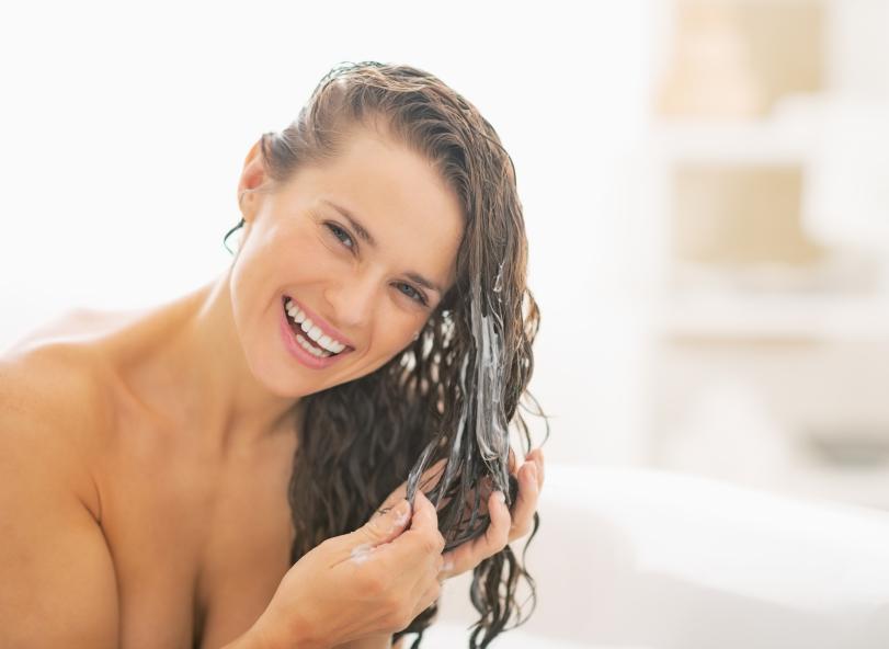 iStock 000035477190 Small - 10 Cuidados para cabelos de todos os tipos