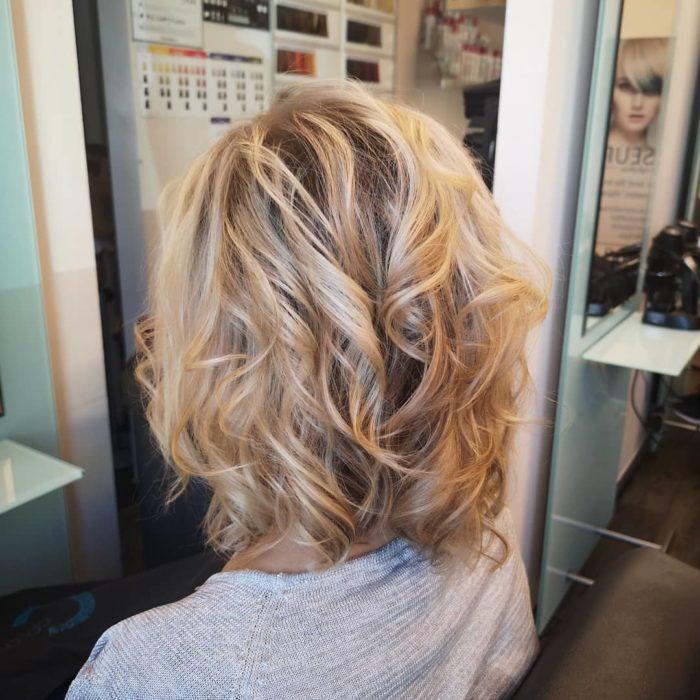 hair kborn 61440014 694328161022844 1869579841520392947 n 700x700 - Cabelo loiro dourado: cores inspirações, tendências, estilos