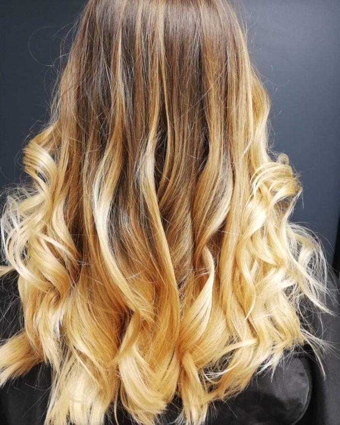 kl coiffeur 64506786 213500776290139 6858336128119994392 n 700x875 - Cabelo loiro dourado: cores inspirações, tendências, estilos
